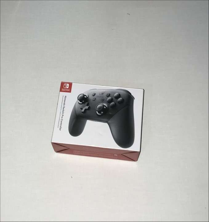 Nintendo Switch 32 gb + control Pro + FIFA 19 - 3